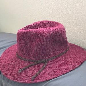 kendall and kylie hat